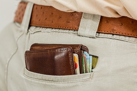 Use credit cards wisely after college